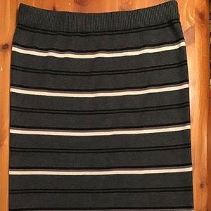 Max Studio warm,comfortable, flattering skirt NWT